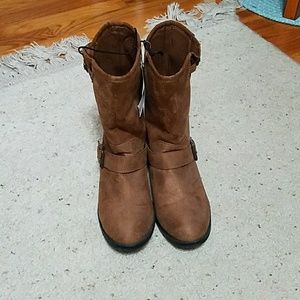 NWT Brown Suede-like boots from Express -Size 8